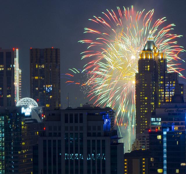 Feux d'artifice pour le Nouvel an 2013 à Bangkok.
