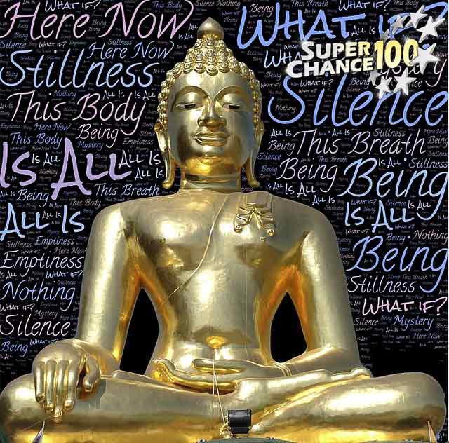 Une statue dorée représentant la pleine conscience.