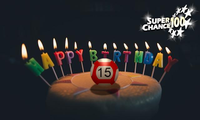 Un gâteau d'anniversaire pour les 15 ans de l'EuroMillions.