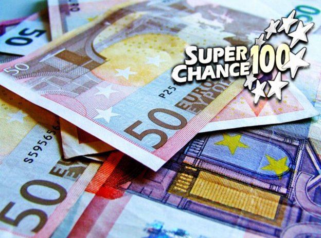 Billets d'euros gagnés à la loterie EuroMillions.