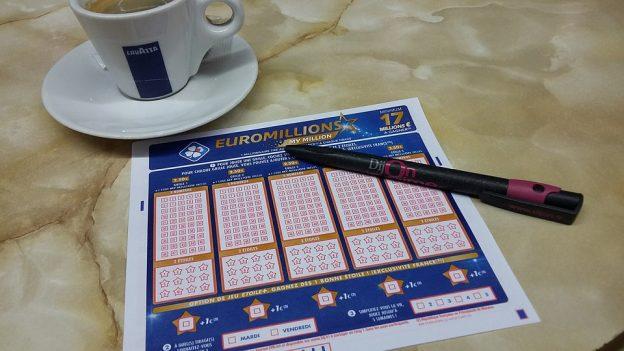 Jouer à l'Euromillion.