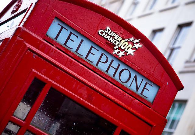 Cabine de téléphone anglaise.