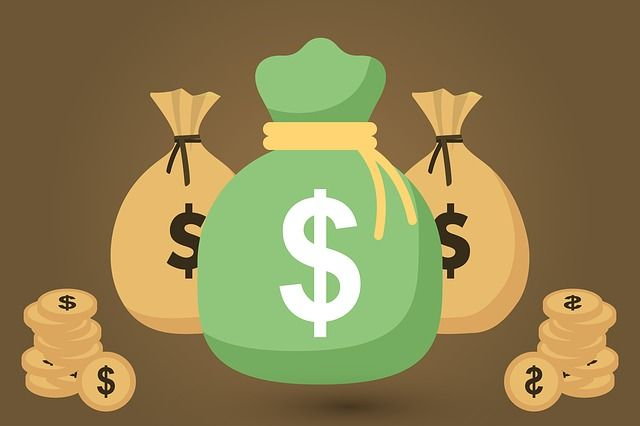 Des sacs d'argent et de la monnaie.