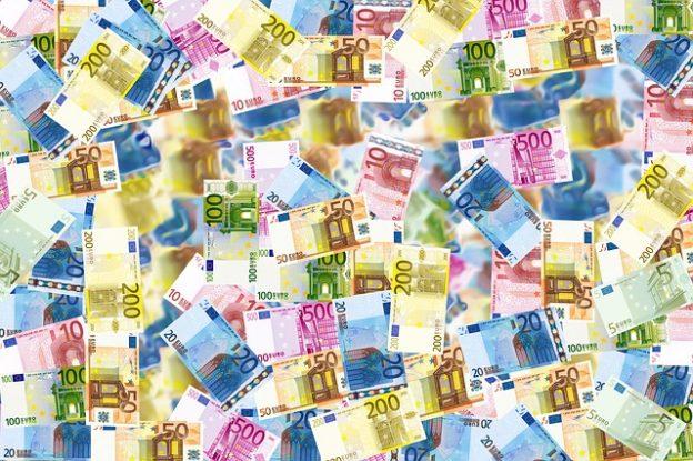 Des billets de banque.